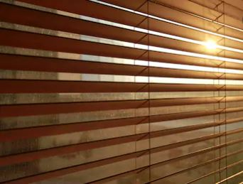 wooden blind edinburghcloseup